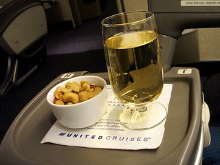 UNITED Business Class: Champagne