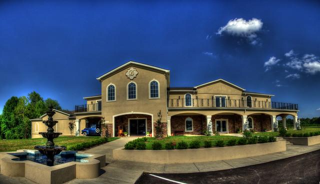 DelMonaco Winery, Baxter, TN