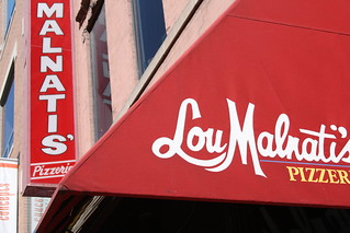 Lou Malnati's - Who Has the Best Pizza in Chicago? | by raniel diaz
