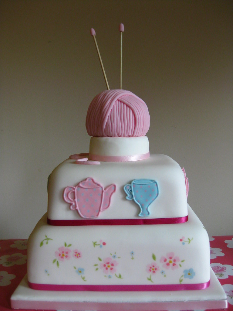 Excellent A Cake For Grandma A Cake For My Grans 80Th Birthday Is Flickr Funny Birthday Cards Online Chimdamsfinfo