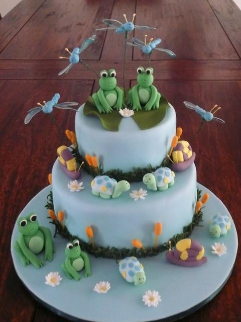 Frog Dreaming Cake