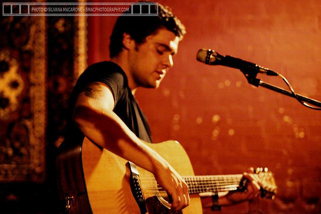 DanSultan-5thNov2010@Troubadour,Brisbane-4