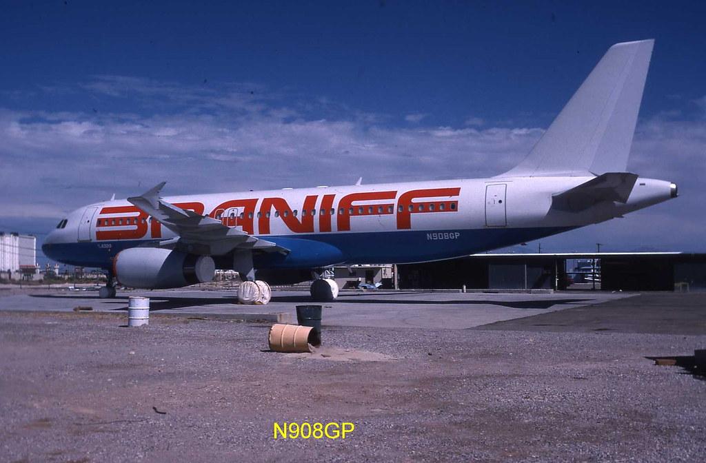 Airbus A320 N908GP Braniff