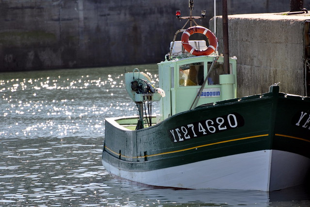 à quai dans le port de l'ile d'Yeu