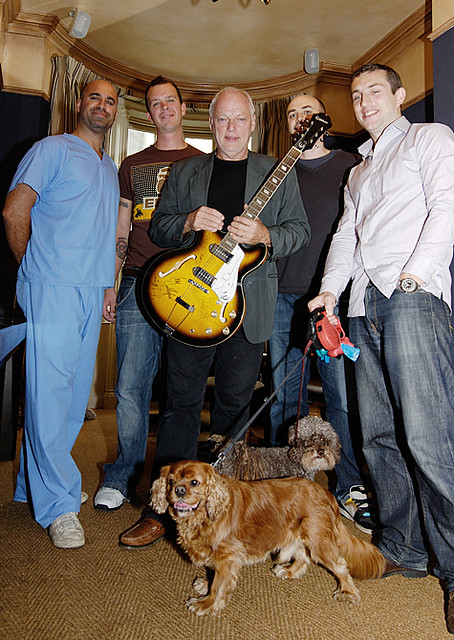 David Gilmour with Marc the Vet and fans_DSC2364