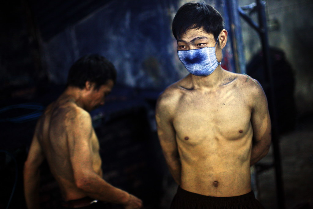 c939e541bf33d3 Blue Jeans production in China | Workers take a dawn break a… | Flickr
