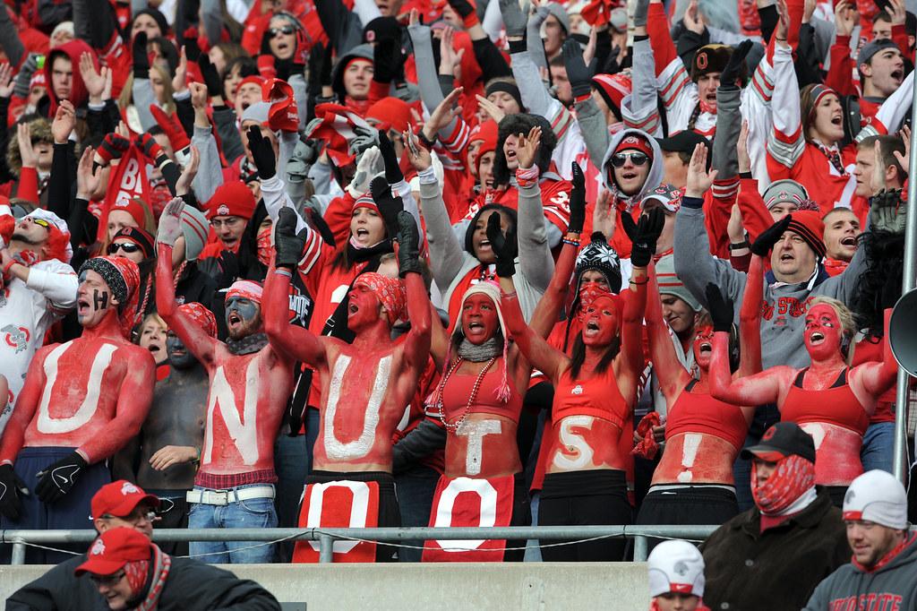 112710_UM V OSU FBC FAN COLD 2 LON | Ohio State fans don't ...