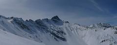 Stammerspitz, retorománsky Piz Tschütta (3.254 m) a široký kotel pod ním.