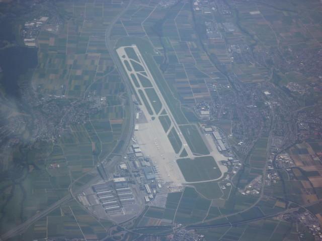 201007479 LH3663 GVA-FRA Stuttgart airport