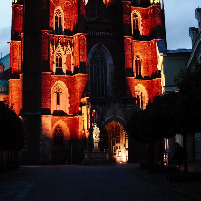 Wygrywanie melodii wieży kościelnej