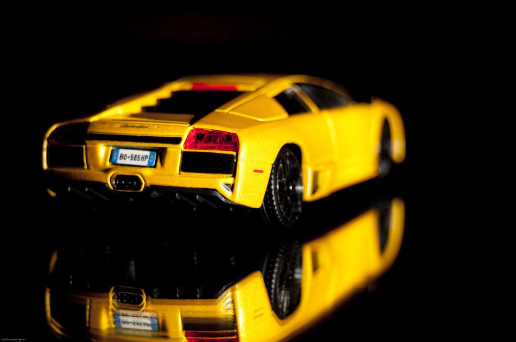 Lambo Rear View Of The All Sexy Yellow Lamborghini Murciel Flickr