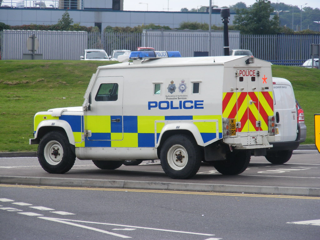 Police Jeep - Luton UK | Nina Seán Feenan | Flickr