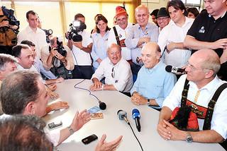 Blumenau - SC - Serra com lideranças catarinenses