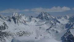 Pohled na monumentální Piz Linard, nejvyšší horu Silvretty.