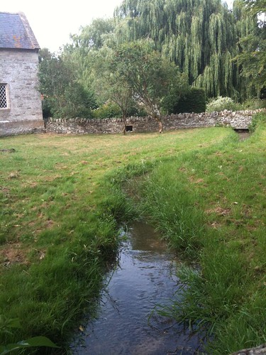 Small brook at Swinbrook Village | by Tip Tours