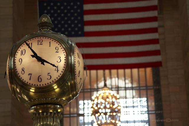 Grand Central Terminal clock & flag  0658