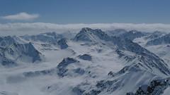 Oblíbený cíl skialpinistů v okolí Davosu představuje Flüela Wisshorn (uprostřed).
