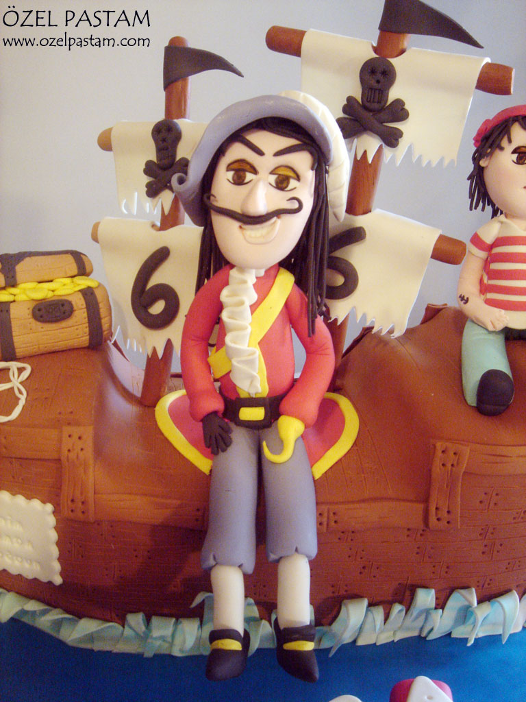 Phenomenal Kaptan Kanca Ve Eminin Pasta Captain Hook Cake Yasemin Flickr Personalised Birthday Cards Arneslily Jamesorg
