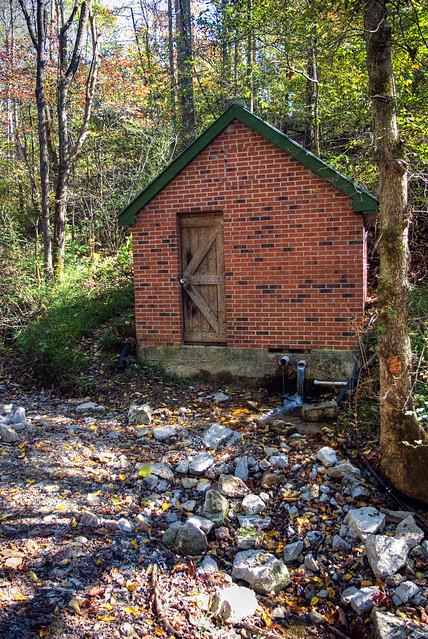 Spring House, Spring Creek Rd, Jackson Co, TN