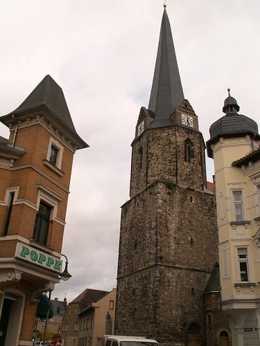 Lützen in Sachsen Anhalt und war Sitz des bischöflichen Amts Lützen, wo die Pestbeulen von Toten mit Köpfen von Kaninchen und Wieseln gekocht und den Sud in die Häuser gegossen wurde 006