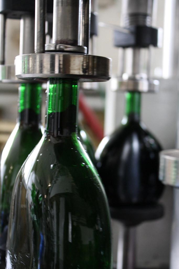 Einfüllen des Weins