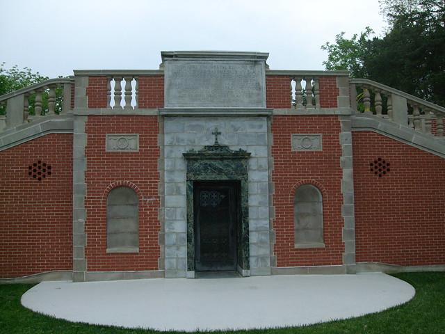 University of St. Mary of the Lake (Mundelein Seminary), Mundelein, IL