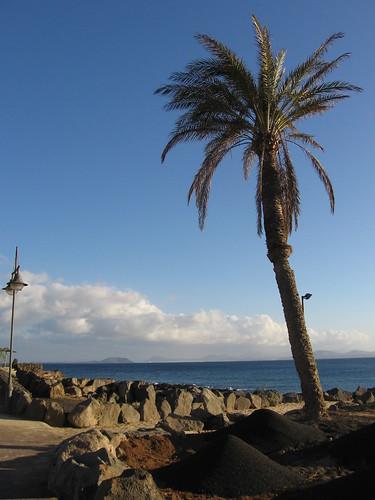 Playa Blanca, Lanzarote   by loresui