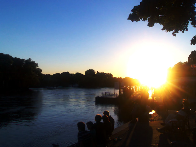 Sunset at a Richmond pub in London one summer's evening