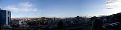 Panorámica de Quito, el Cotopaxi en el fondo (: