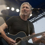 Fri, 24/07/2015 - 7:10pm - Roger Waters with My Morning Jacket, Lucius, Amy Helm, Sara Watkins and thousands of rapt fans. Photo by Laura Fedele