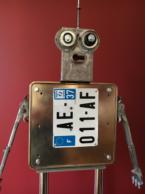 Recycled Robot 100-TRE