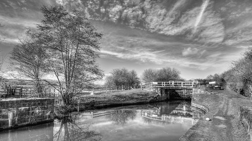 scenic sky space rural route outdoors path relaxing towpath view water waterway uk transport transportation travel trees nottinghamshire countryside cycle cycling derbyshire canal boating british east midlands lock narrow nature landscape england english erewash black white monochrome mono nikon d7200 tokina 1116mm