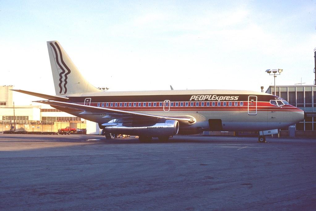 People Express Boeing 737-100; N411PE@SUN, May 1981/ AXE