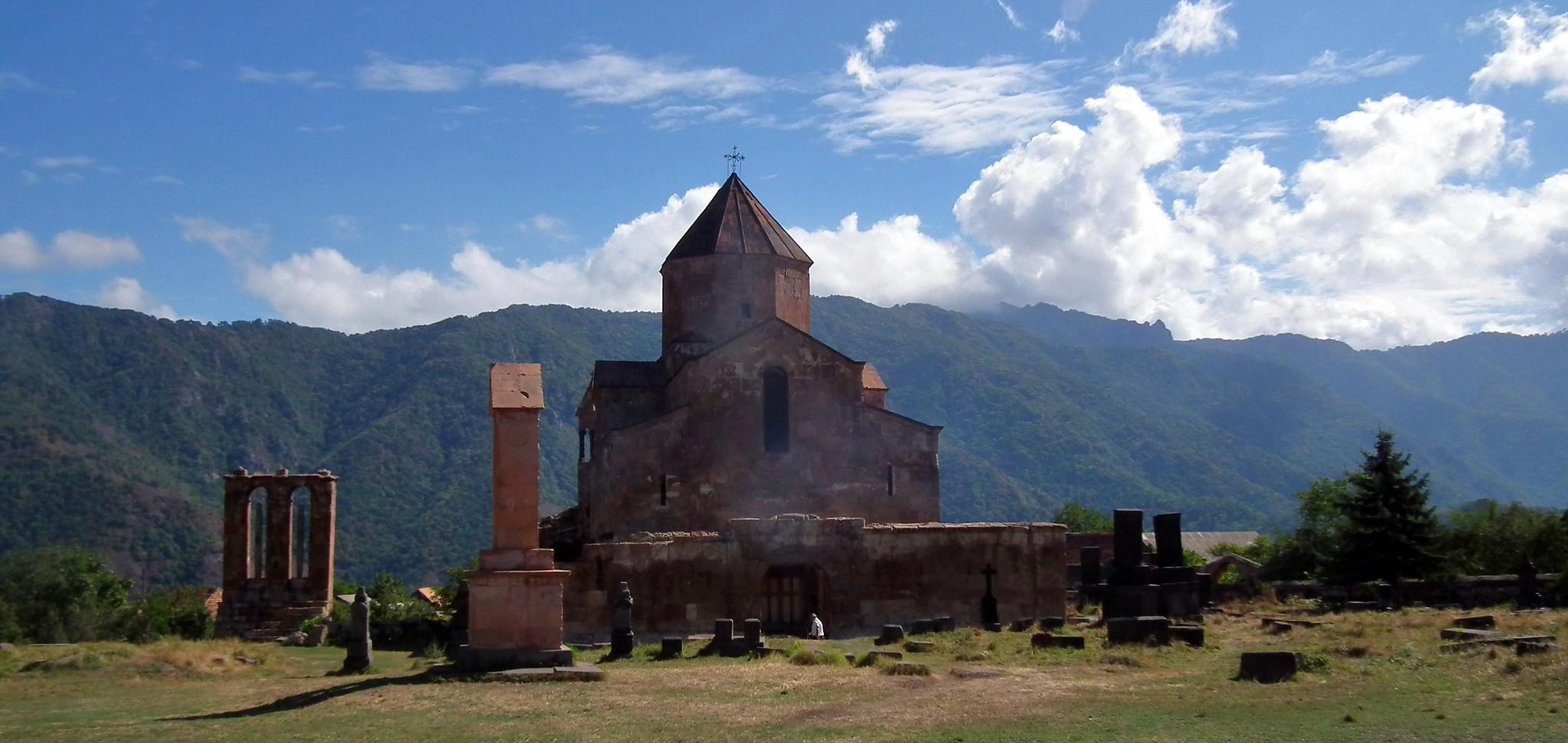 vista exterior de Basilica de Odzun Armenia