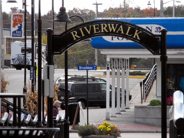 Downtown Dells Riverwalk Entrance.