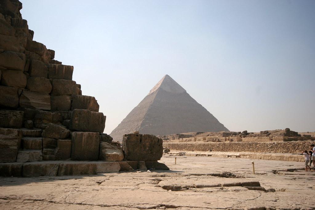 Egito. Guiza - pirâmides de Queóps e Quéfren