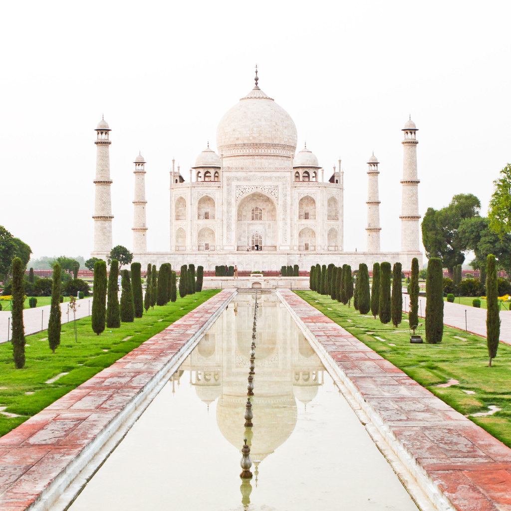 Shah Jahan really chopped the hands of the craftsmen who