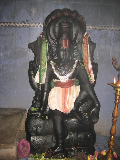 7.Lord Ranganathar in an unusual posture