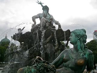 Neptunes fountain | by jetsetwhitetrash