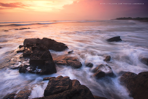 longexposure sunset bali seascape beach rock sunrise indonesia coastal waterscape tabanan kedungu