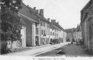 la rue du faubourg de l'Orme à Orgelet