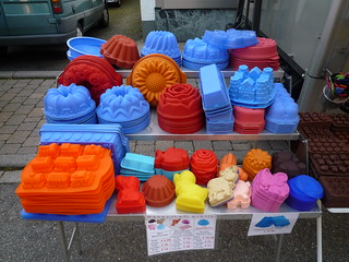 Colourful silicon baking forms | by storebukkebruse