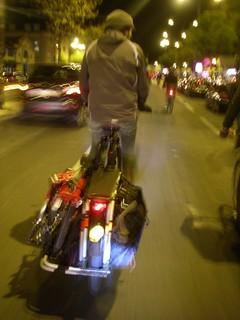 Sistema de transporte urbano de bicicletas, em bicicleta