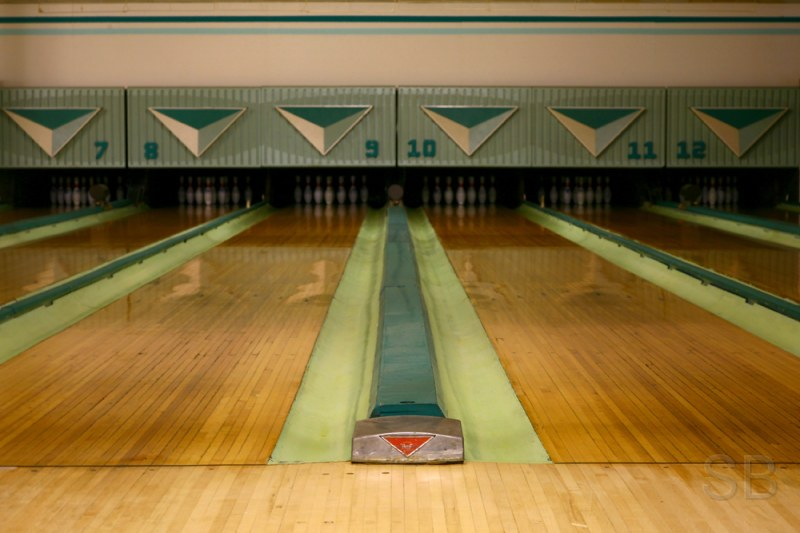 Duke's bowling alley | A sweet old-school bowling alley ...