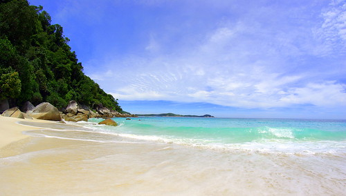 turtle beach perhentian island | by deErisch