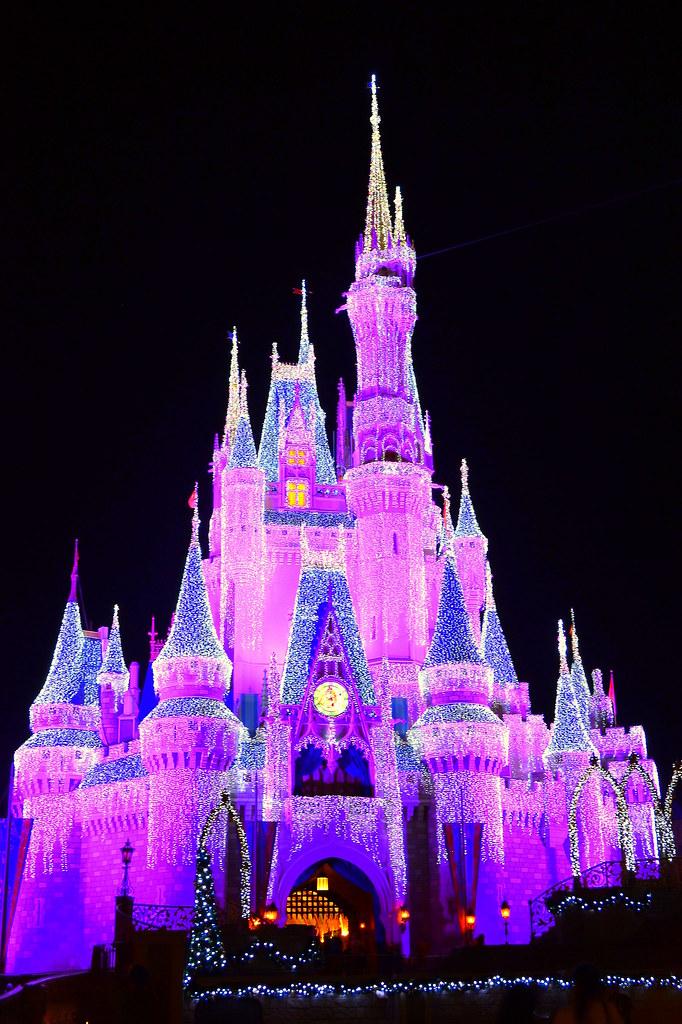 Cinderella Castle Christmas Lights.Cinderella Castle Christmas Lights Castle Adorned In Ice L