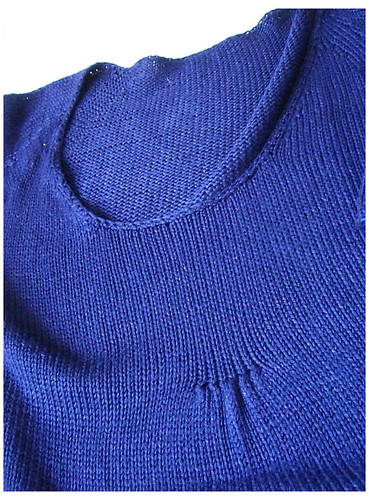 Pull bleu   by helenepiano