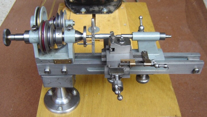 Benchtop Metal Lathe   I would love to duplicate this someda