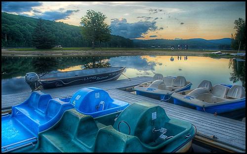 sunset lake beach outdoors boat aperture nikon newhampshire nh eastman paddleboat hdr grantham photomatix nikond80 borderfx