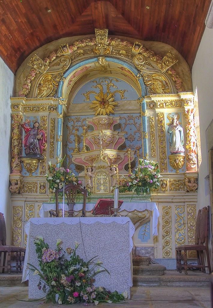 Main altar - Igreja Matriz de Vale das Fontes by Frans Harren